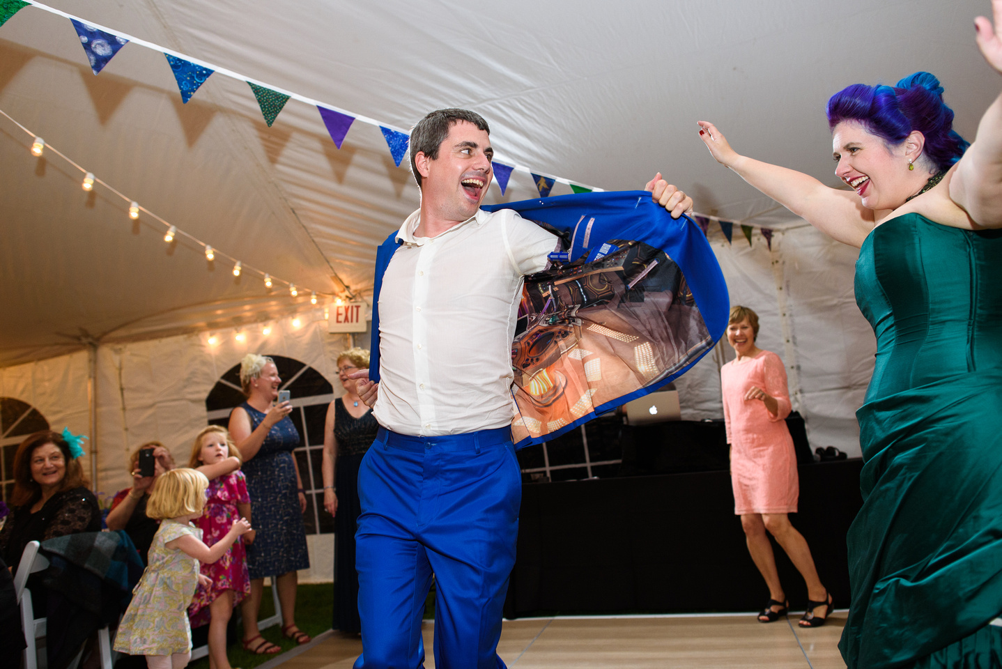 groom wearing tardis suit - dr who wedding - fun wedding