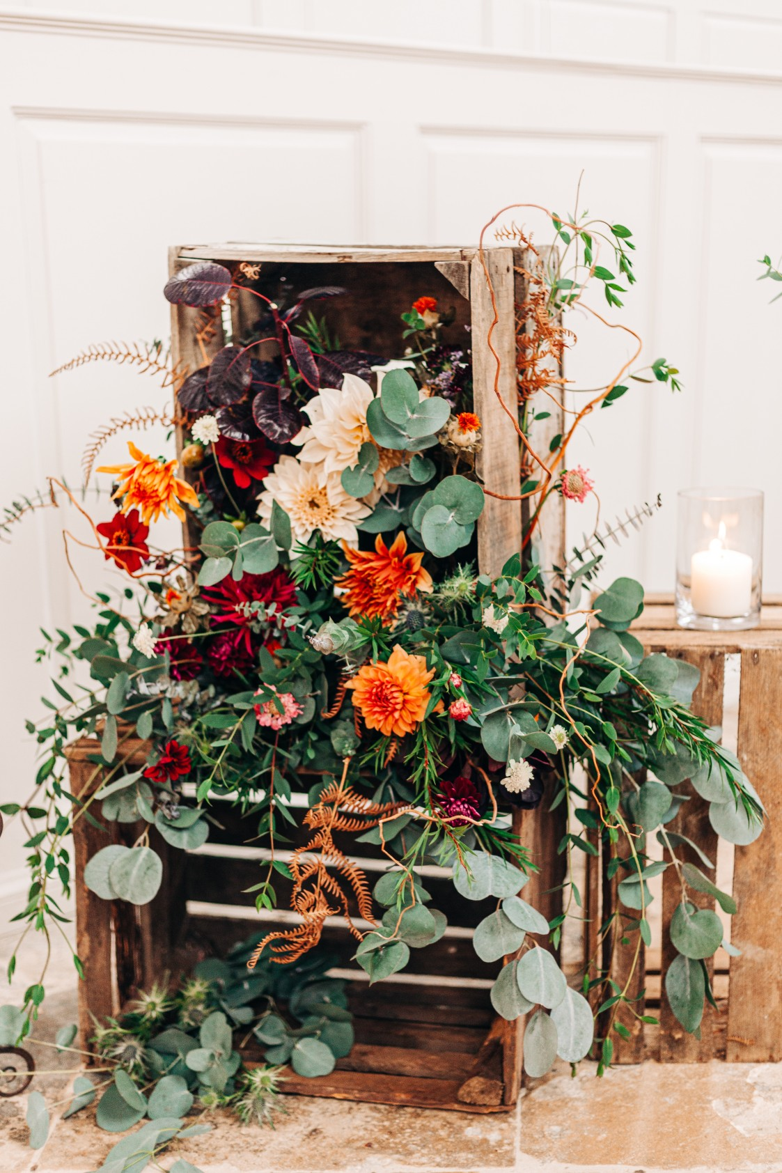 autumn wedding styling - alternative wedding styling - wedding ceremony decor