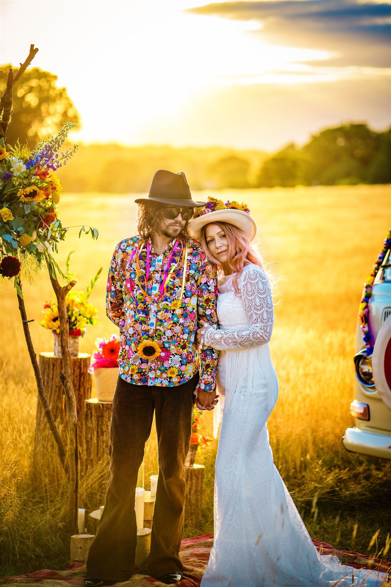 colourful bohemian wedding - 70s wedding - camper van wedding - hippie wedding - alternative wedding blog