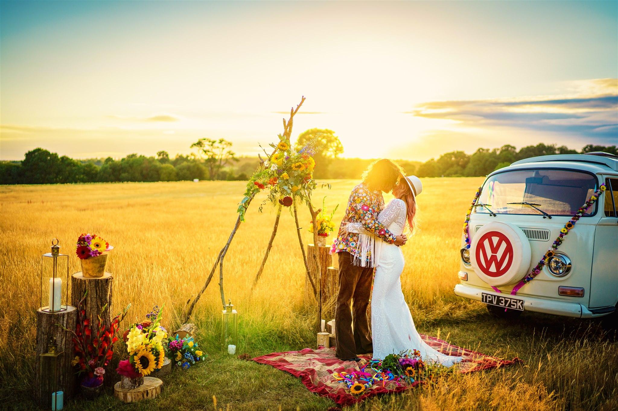 colourful bohemian wedding - 70s wedding - campervan wedding - hippie wedding - dreamy wedding photos