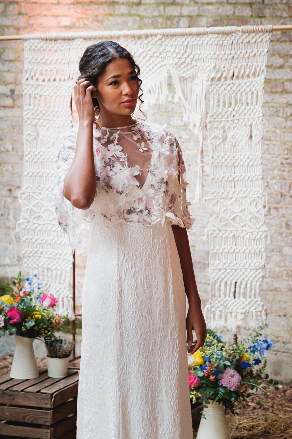 colourful micro wedding at patricks barn - wedding macrame - colourful wedding flowers - bohemian wedding dress