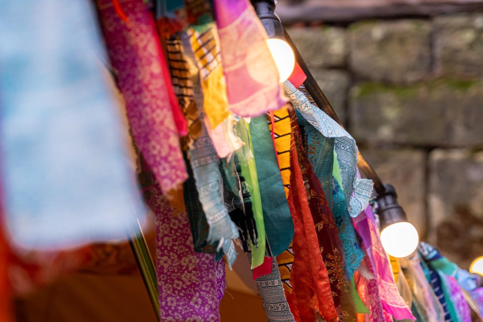 colourful micro wedding at patricks barn - boho wedding decoration - diy wedding decoration