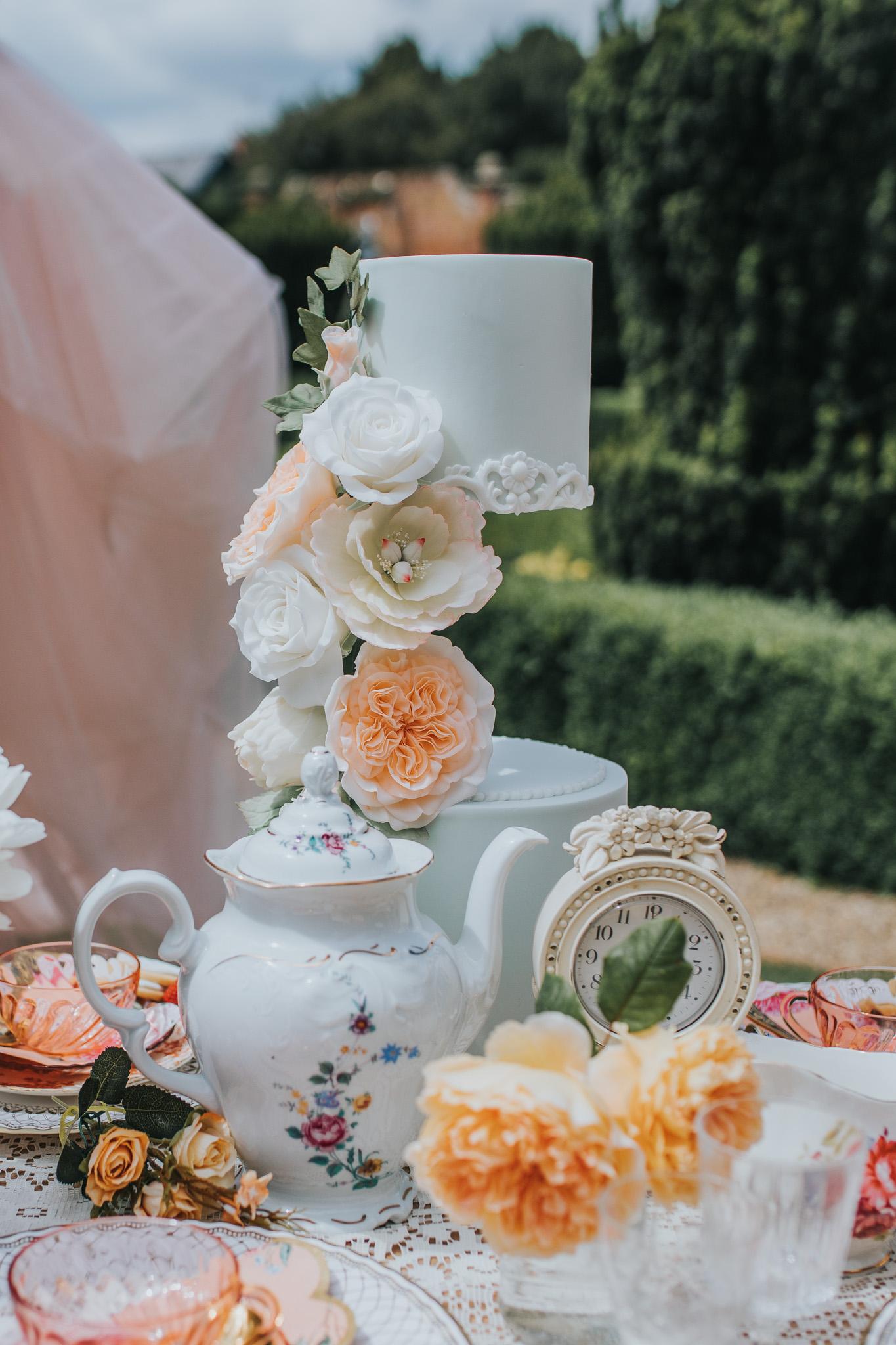 bridgerton wedding - regency wedding - whimsical wedding - vintage wedding- unique wedding ideas - unconventional wedding - unique wedding cake - wedding tea party