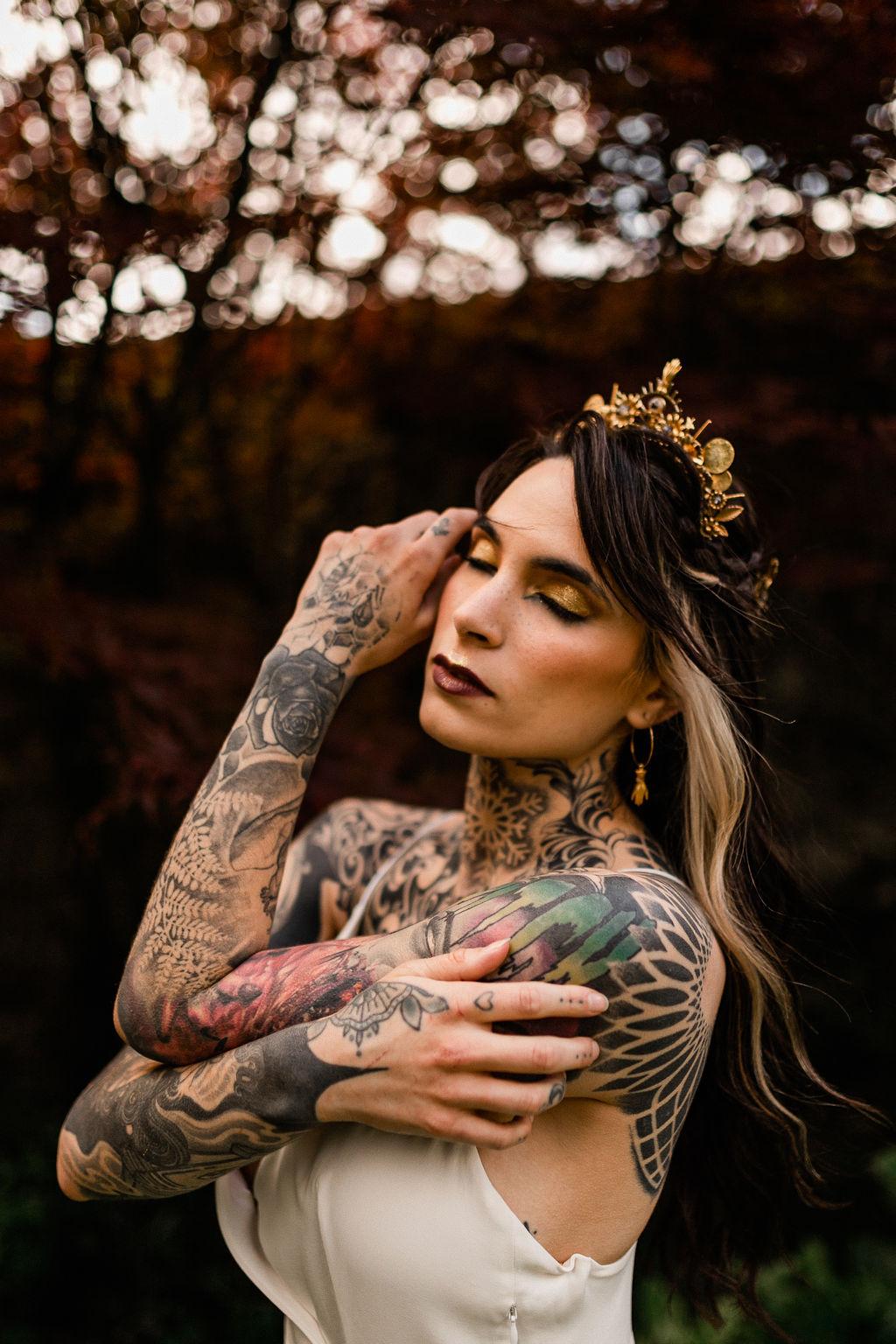 tattooed bride - alternative bride style - gold wedding headpiece - gold wedding makeup