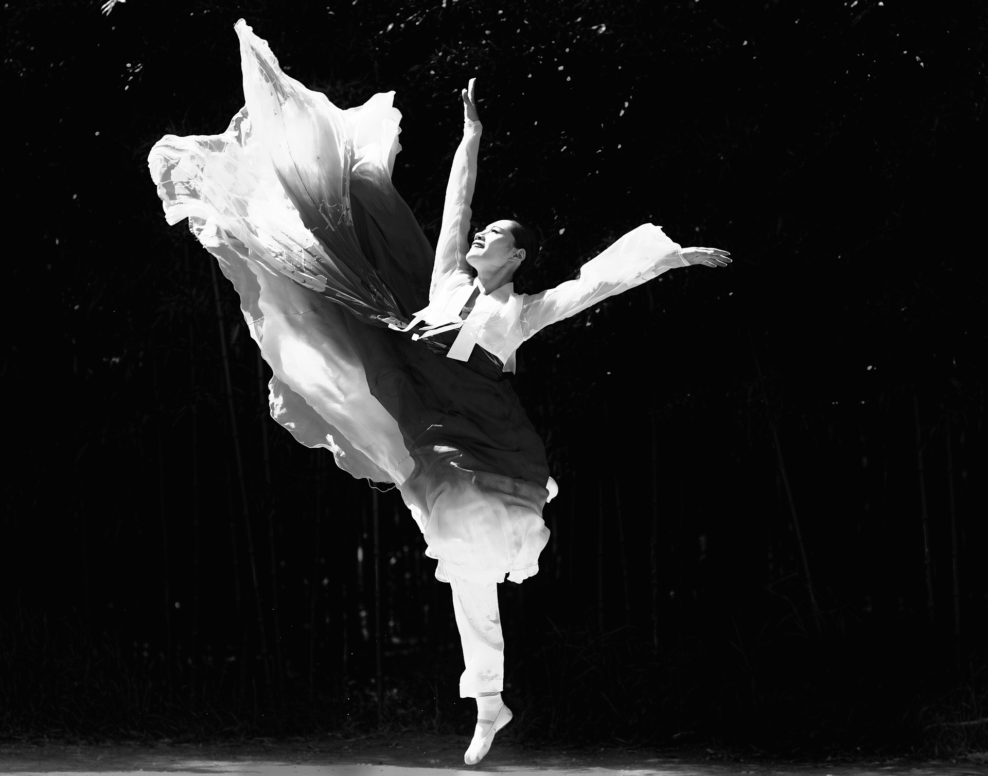 atelier de danse contemporaine jeunes 11 15 ans un corps en harmonie cours isabelle triomphe. Black Bedroom Furniture Sets. Home Design Ideas