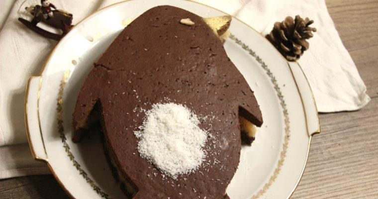 layer cake de Noël végétalien chocolat et coco en forme de pinguoin