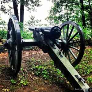 Hundreds of cannons dot the landscape at the Gettysburg Battlefield - Visiting the Gettysburg Battlefield