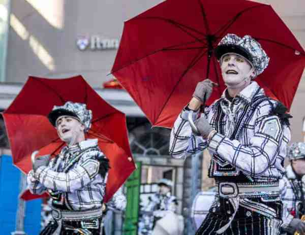 Guide to the Mummers Parade in Philly