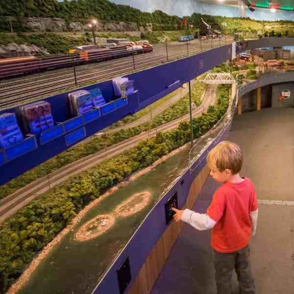 Kids at the Lehigh and Keystone Valley Model Railroad Museum in Bethlehem, Pennsylvania