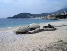 Albania_triple_bunker