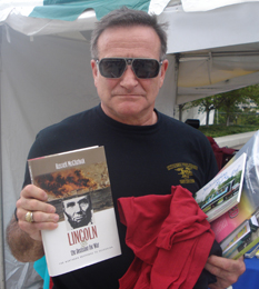 Robin Williams takes Lincoln and the Decision for War