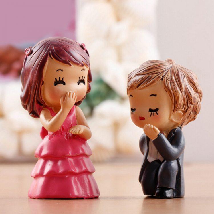 Kado nikah miniatur couple