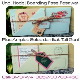 undangan unik tiket pesawat boarding pass murah