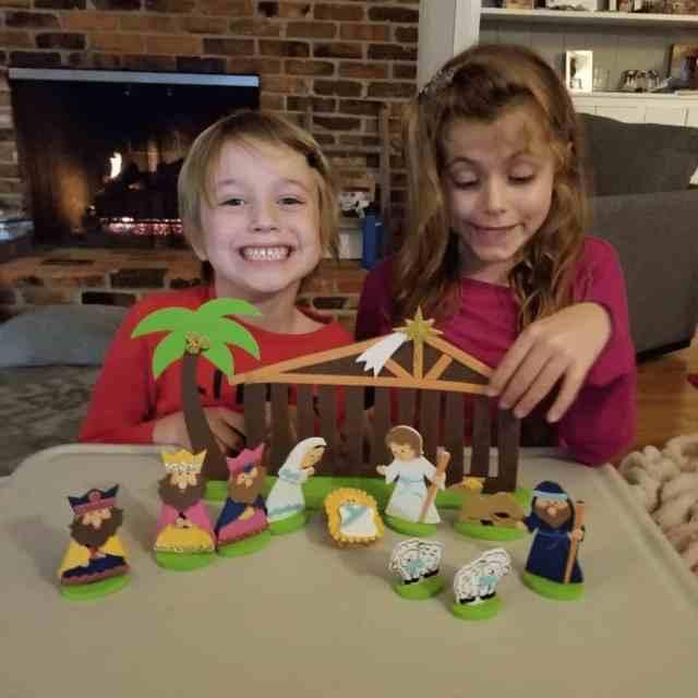 kids-playing-with-felt-nativity-set