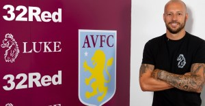From Bomb Squad to Major Key: Alan Hutton Pens New Deal