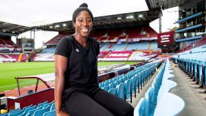 Experienced defender Anita Asante becomes Davies' second signing