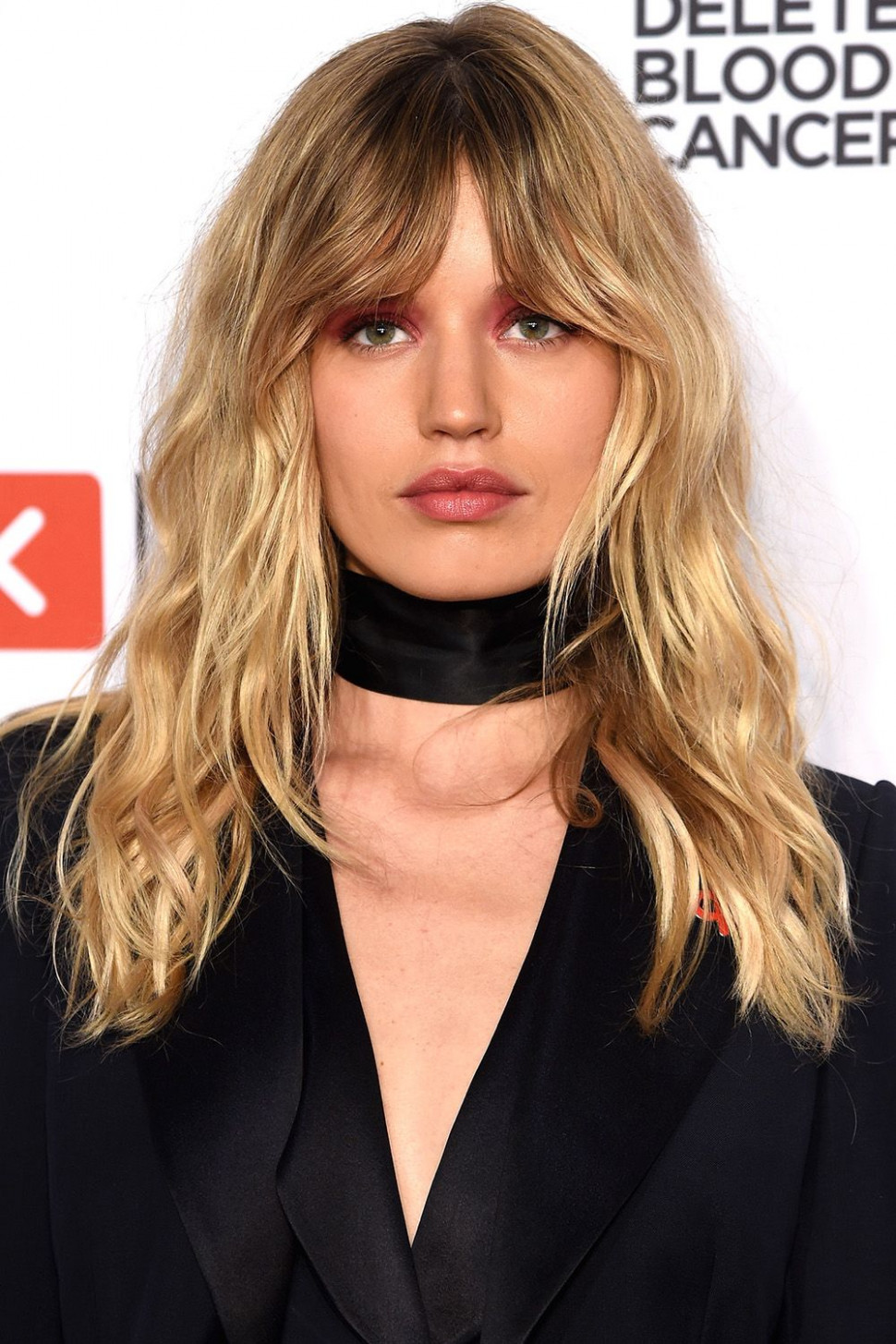 10 Best Medium Hairstyles - Celebrities With Shoulder Length Haircuts