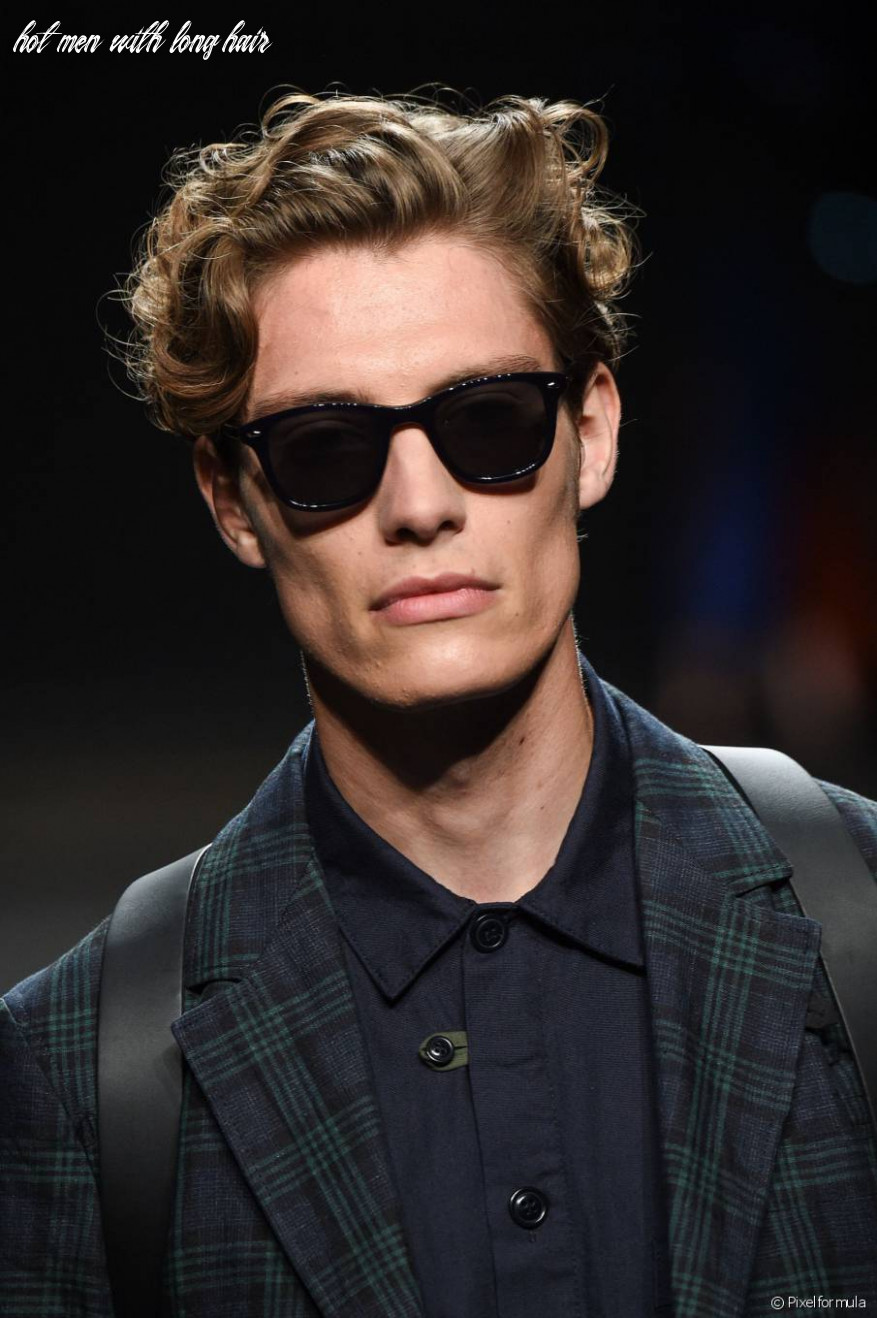 Hottest Men's Hairstyles to Go With a Clean-Shaven Look