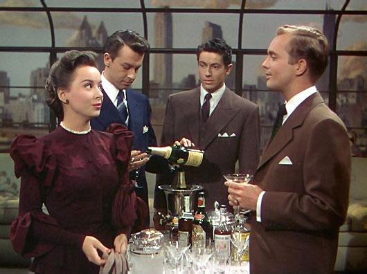 La Soga sirviendo champan