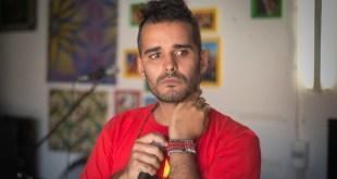 """JES sai tarde """"mas pelo menos vai de próprio pé"""", diz Luaty Beirão"""