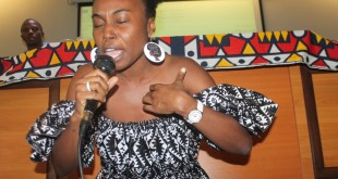 Mamy leva Mediateca de Luanda ao Rubro