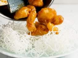 Honey Chicken – STAYS CRISPY for hours!