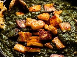 Palak Paneer – Indian Spinach Curry with Cheese
