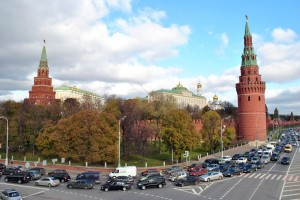 Traffic under the Kremlin walls