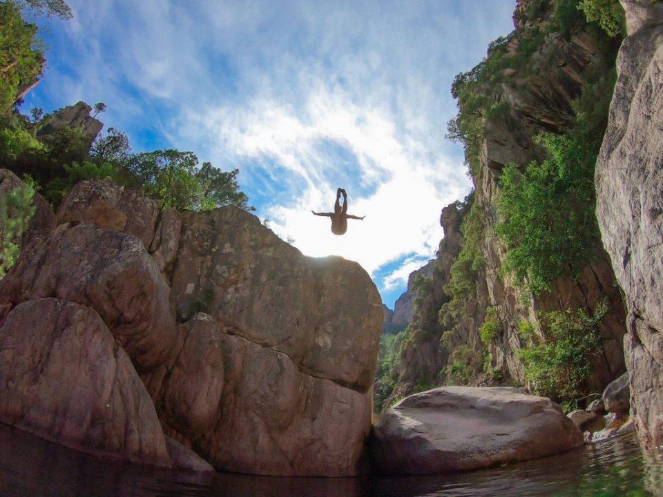 La corse en van pour plonger Canyon de la Vacca, à Bavella en Corse du Sud Laura Marino Undersurface