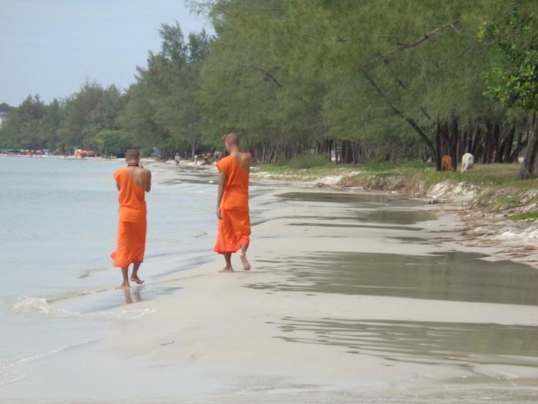 Monks on Ochheuteal Beach