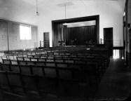Margaret Pitt Morison con H. Krantz, Myola Club Hall, Perth, c.1934.