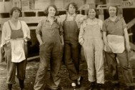 Alice Constance Austin, Campesinas y agricultoras, las mujeres del Llano realizaban las mismas tareas que los hombres.