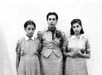Guadalupe Marín con sus hijas, Ruth, a la izquierda, y Guadalupe,1939