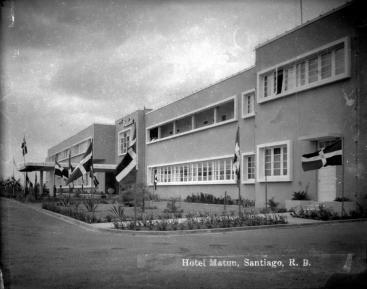 Margot Taulé y Henry Gazón Bona, Hotel Matun