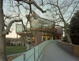Merrill Elam y Mack Scogin. Lulu Chow Wang Campus Center and Davis Garage