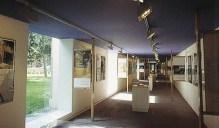 """Cristina García-Rosales, Exposición de La Mujer Construye en Galería """"Las Arquerías"""" del Ministerio de Fomento, Madrid, 2000."""