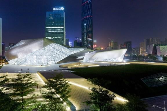 Zaha Hadid, Palacio de la Ópera de Cantón en China