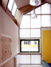 Sarah Wigglesworth Architects; Classroom of the Future, Mossbrook School, Sheffield, 2003.