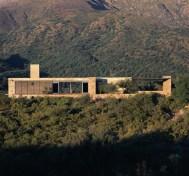 Mariela Marchisio y Cristian Nanzer, Casa en Capilla del Monte, 2001
