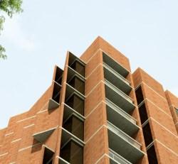 Marina Tabassum. Torre de apartamentos en Daca. 2010