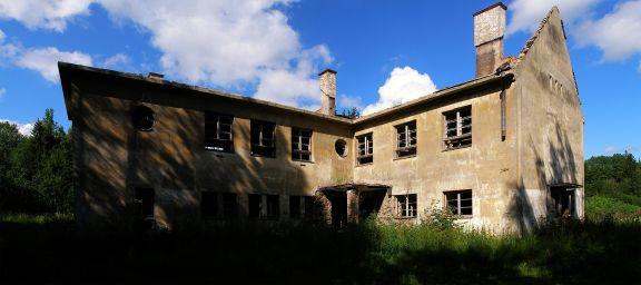 Erika Nõva: Escuela primaria en Peressaare. Fotografía 2009