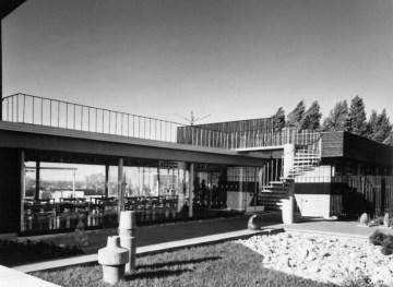 Vavle Pormeister (1964): CafeTuljak. Fotografía fachada posterior, c. 1970.