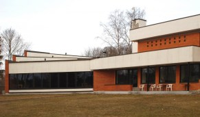 Valve Pormeister (1965): Granja Experimental de Avicultura en Kurtna. Fachada Posterior (c. 2009)
