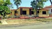 Ermina Odoardo y Ricardo Eguilior, vivienda en avenida Manduley, reparto Vista Alegre