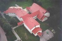 Maarja Nummert (1987): Escuela Secundaria en Noarootsi. Vista aérea