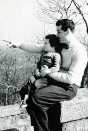 Anne Whiston Spirn. Una lección en lectura del paisaje por W.B. Whiston. Vista de Boston desde Blue Hills. Otoño de 1949 (2 años de edad).