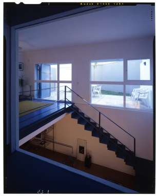 Atxu Amann, Andrés Cánovas, Nicolás Maruri, Temperaturas Extremas, 10 viviendas-taller en Aravaca, Madrid, 1995-1997
