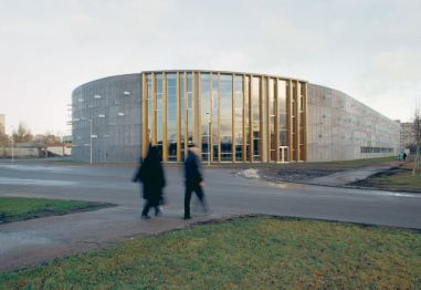 Siiri Vallner, Hanno Grossschmidt, Tomomi Hayashi, Centro deportivo en Lansnamäe, Tallinn, Estonia, 2002-2003