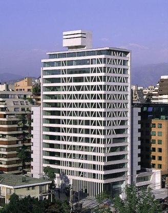Antonia Lehmann y Luis Izquierdo, Edificio Manantiales