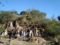 Isabel Donato, Montando laestructura de la Cabaña de Bambú en un curso que coordina laarq Isabel Donato e imparte Horacio Saleme